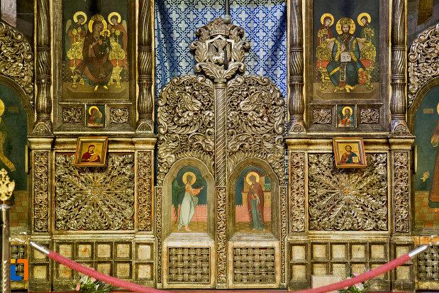 imagine-de-interior-catedrala-ortodoxa-a-vadului-feleacului-si-clujului-din-cluj-napoca-judetul-cluj.jpg