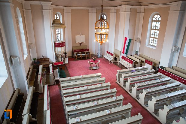 imagine-de-interior-cu-biserica-reformata-din-ocna-mures-judetul-alba.jpg