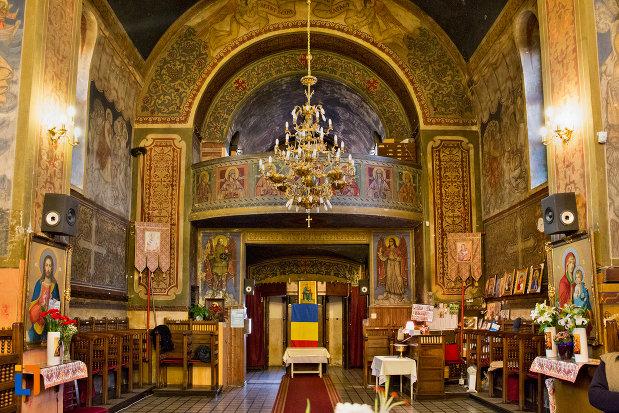 imagine-de-interior-din-biserica-ortodoxa-sf-nicolae-din-cluj-napoca-judetul-cluj.jpg