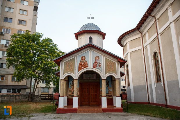 imagine-de-la-biserica-sf-imparati-constantin-si-elena-din-alexandria-judetul-teleorman.jpg