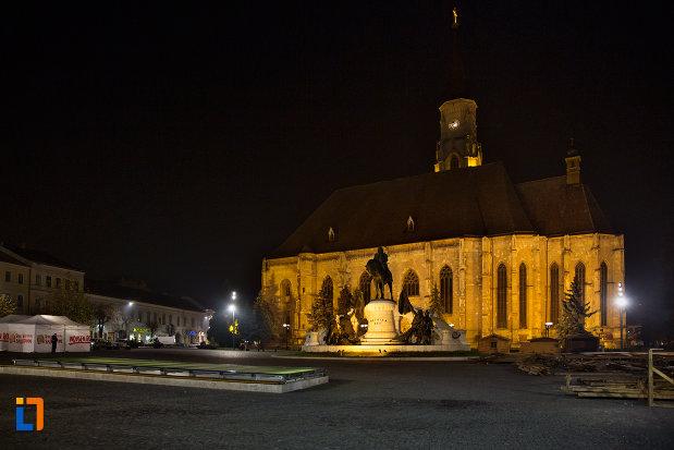 imagine-de-noapte-cu-biserica-sfantul-mihail-din-cluj-napoca-judetul-cluj.jpg