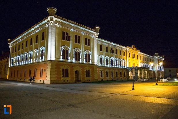 imagine-de-noapte-cu-muzeul-national-al-unirii-din-alba-iulia-judetul-alba.jpg