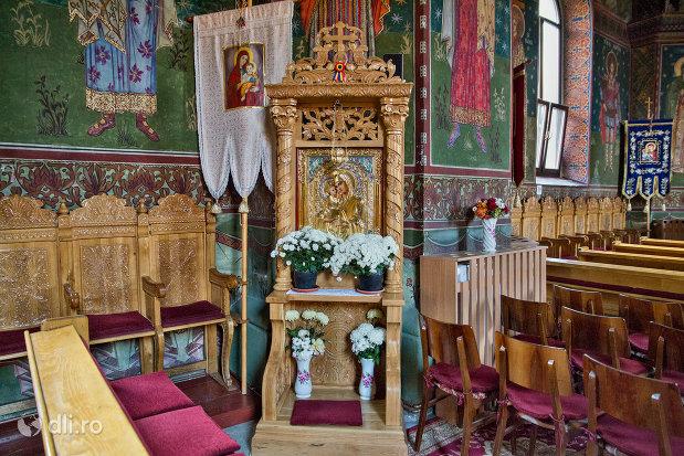 imagine-din-biserica-greco-catolica-buna-vestire-din-oradea-judetul-bihor.jpg