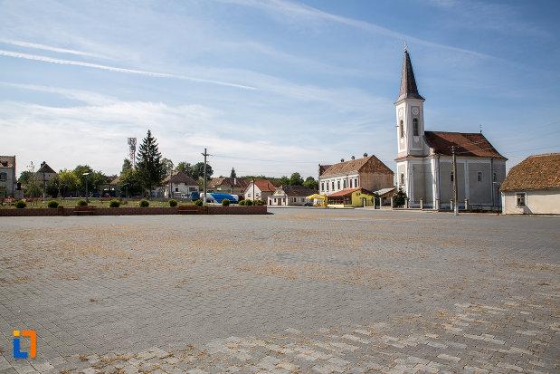 imagine-din-centrul-orasului-miercurea-sibiului-judetul-sibiu.jpg