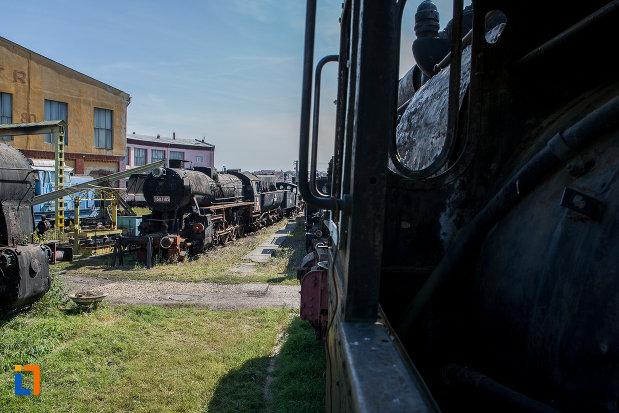 imagine-din-curte-de-la-muzeul-locomotivelor-cu-aburi-din-sibiu.jpg