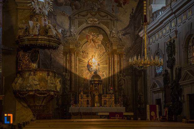 imagine-din-interior-de-la-biserica-parohiala-evanghelica-sf-maria-din-sibiu-judetul-sibiu.jpg