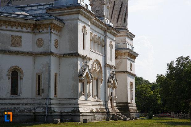 imagine-din-lateral-cu-catedrala-ortodoxa-sf-haralambie-din-turnu-magurele-judetul-teleorman.jpg