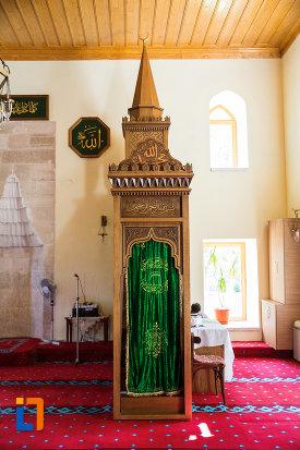 imagine-din-moscheea-esmahan-sultan-din-mangalia-judetul-constanta.jpg