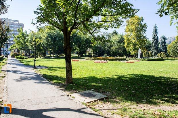 imagine-din-parcul-nicolae-titulescu-din-brasov-judetul-brasov.jpg