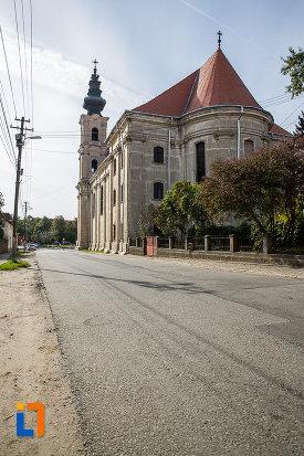imagine-din-spate-cu-biserica-armeano-catolica-sf-elisabeta-din-dumbraveni-judetul-sibiu.jpg