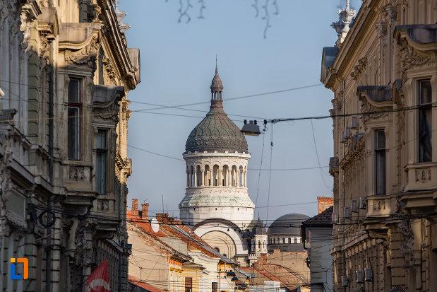 imagine-indepartata-cu-catedrala-ortodoxa-a-vadului-feleacului-si-clujului-din-cluj-napoca-judetul-cluj.jpg