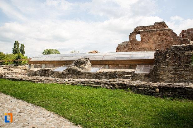 imagine-indepartata-cu-palatul-domnesc-ruine-palatul-petru-cercel-din-targoviste-judetul-dambovita.jpg