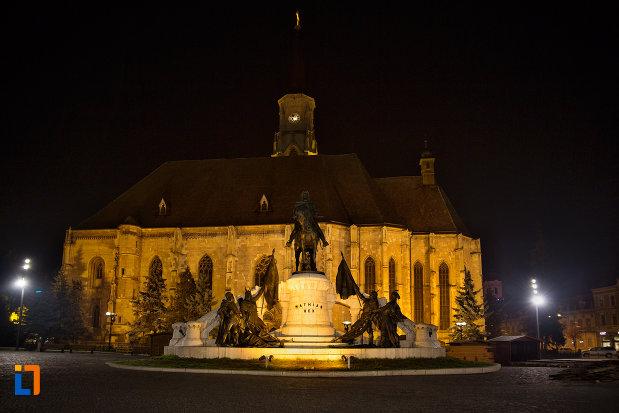 imagine-nocturna-cu-biserica-sfantul-mihail-din-cluj-napoca-judetul-cluj.jpg