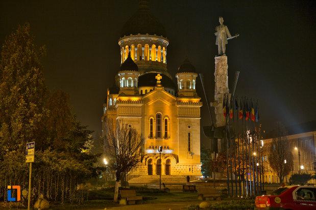 imagine-nocturna-cu-catedrala-ortodoxa-a-vadului-feleacului-si-clujului-din-cluj-napoca-judetul-cluj.jpg