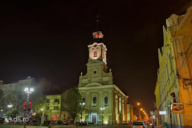 imagine-nocturna-cu-catedrala-ortodoxa-adormirea-maicii-domnului-biserica-cu-luna-din-oradea-judetul-bihor.jpg