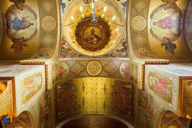 imagini-biblice-din-catedrala-mitropolitana-sf-dimitrie-din-craiova-judetul-dolj.jpg