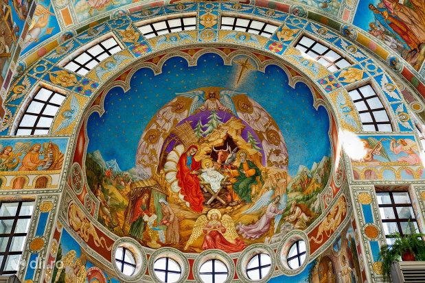 imagini-biblice-din-catedrala-ortodoxa-sfanta-vineri-din-zalau-judetul-salaj.jpg
