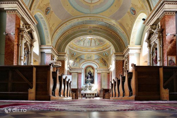 imagini-de-interior-din-biserica-zarda-din-satu-mare-judetul-satu-mare.jpg