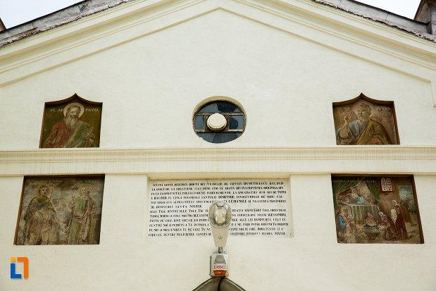 imagini-din-exterior-ansamblul-bisericii-sf-dumitru-bagdat-din-ramnicu-sarat-judetul-buzau.jpg