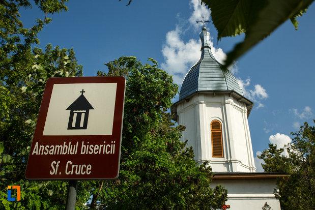 indicator-cu-ansamblul-bisericii-sf-cruce-din-odobesti-judetul-vrancea.jpg