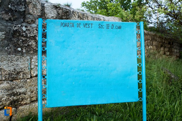 indicator-cu-poarta-de-vest-asezarea-romana-sucidava-din-corabia-judetul-olt.jpg