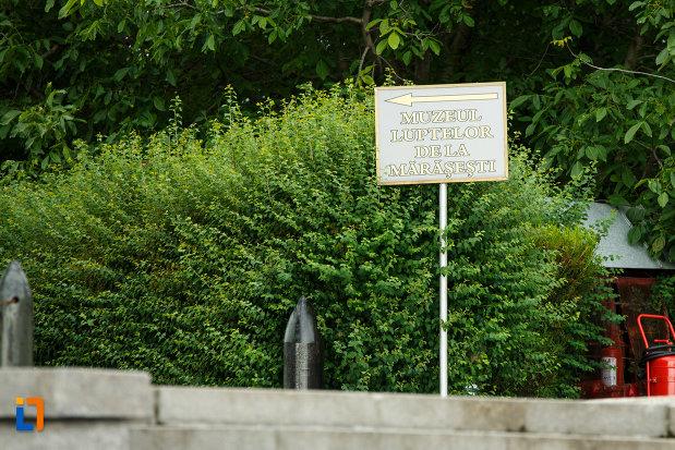 indicator-de-la-mausoleul-eroilor-din-1916-1919-de-la-marasesti-judetul-vrancea.jpg