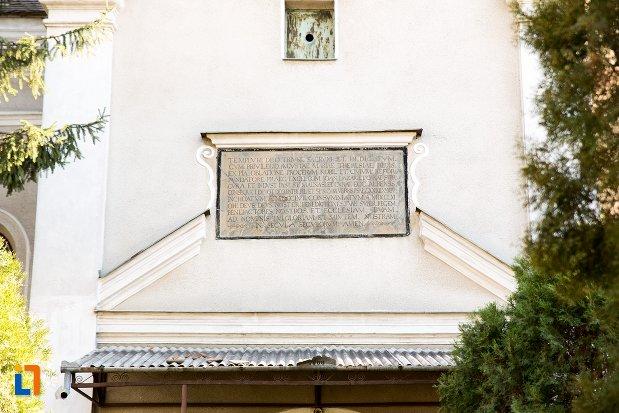 informatii-despre-biserica-reformata-din-alba-iulia-judetul-alba.jpg