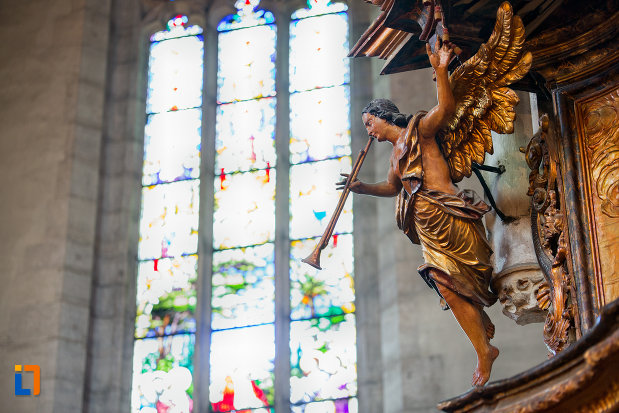 inger-cantand-biserica-sfantul-mihail-din-cluj-napoca-judetul-cluj.jpg