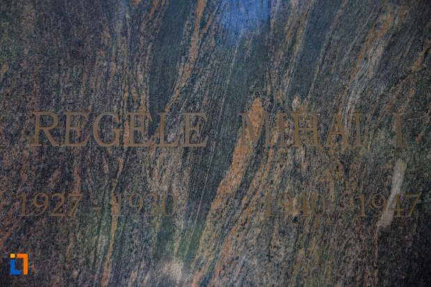 inscriptia-de-pe-bustul-regelui-mihai-i-din-timisoara-judetul-timis.jpg