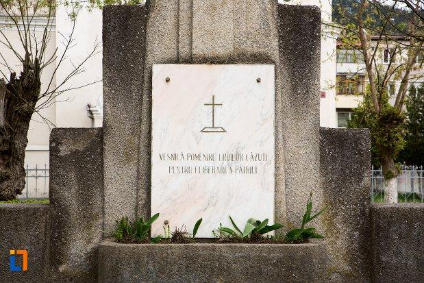 inscriptie-de-la-monumentul-eroilor-din-ocna-mures-judetul-alba.jpg