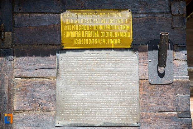 inscriptie-de-pe-biserica-de-lemn-vargolici-din-dorohoi-judetul-botosani.jpg
