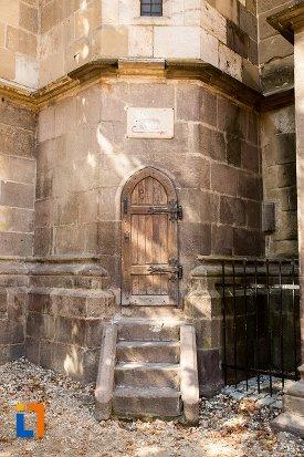 inscriptie-de-pe-biserica-neagra-1383-1477-din-brasov-judetul-brasov.jpg