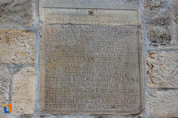 inscriptie-de-pe-biserica-romano-catolica-calvaria-din-cluj-napoca-judetul-cluj.jpg