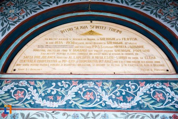 inscriptie-de-pe-biserica-sf-gheorghe-din-curtea-de-arges-judetul-arges.jpg