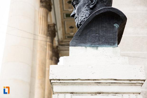 inscriptie-de-pe-bustul-lui-a-d-xenopol-din-arad-judetul-arad.jpg