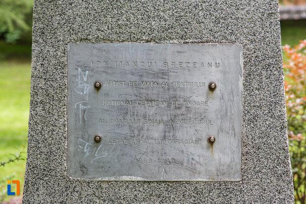 inscriptie-de-pe-bustul-lui-ion-brezeanu-din-sinaia-judetul-prahova.jpg