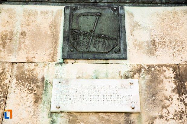 inscriptie-de-pe-monumentul-eroilor-din-primul-razboi-mondial-din-botosani-judetul-botosani.jpg