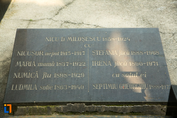 inscriptie-de-pe-monumentul-funerar-al-tipografului-n-d-milosescu-din-targu-jiu-judetul-gorj.jpg