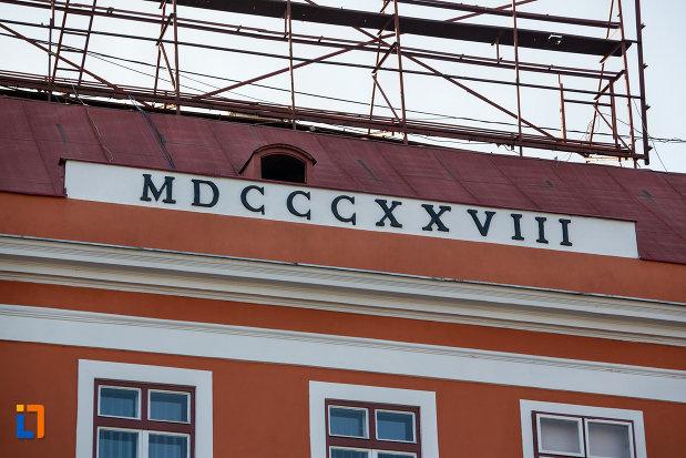 inscriptie-de-pe-platul-josika-din-cluj-napoca-judetul-cluj.jpg