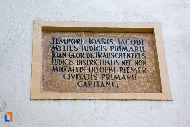 inscriptie-de-pe-poarta-schei-din-brasov-judetul-brasov.jpg