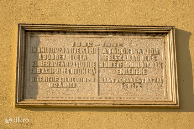 inscriptie-din-biserica-romano-catoloca-sf-ladislau-din-oradea-judetul-bihor.jpg