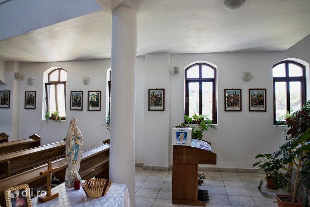 interior-biserica-greco-catolica-din-vama-judetul-satu-mare.jpg