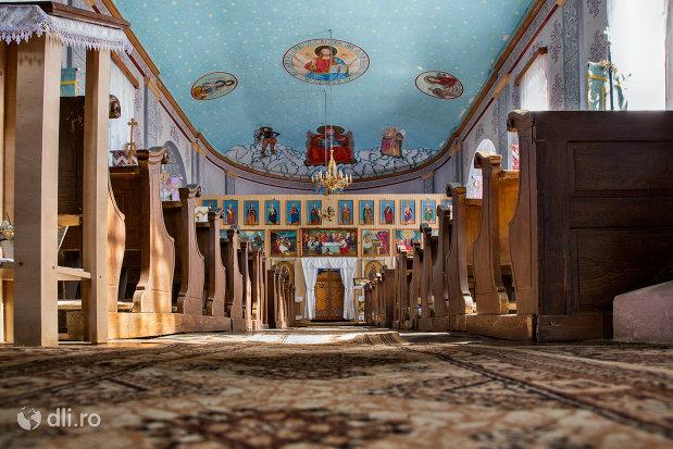 interior-biserica-sf-arhangheli-mihail-si-gavril-din-viile-satu-mare-judetul-satu-mare.jpg