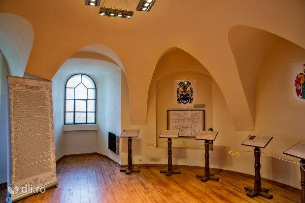 interior-cetatea-din-ardud-judetul-satu-mare.jpg