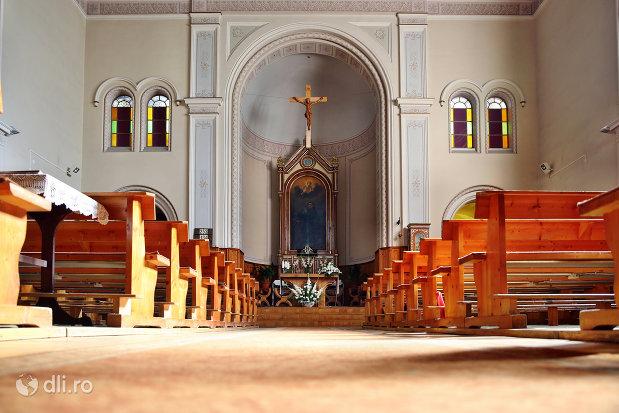 interior-manastirea-franciscana-sf-anton-din-capleni-judetul-satu-mare.jpg