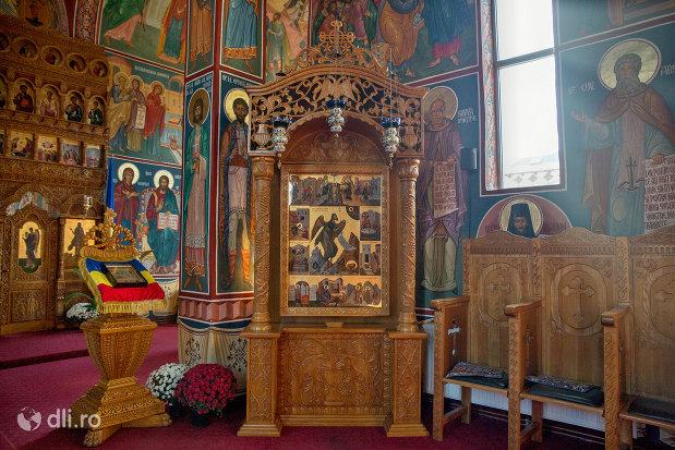 interior-manastirea-scarisoara-noua-judetul-satu-mare.jpg