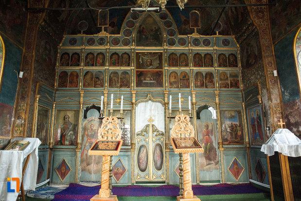 interiorul-de-la-biserica-adormirea-maicii-domnului-din-draganesti-olt-judetul-olt.jpg