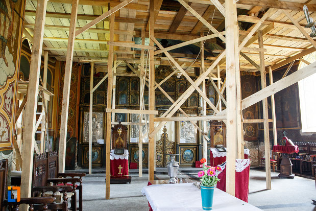 interiorul-de-la-biserica-cuvioasa-paraschiva-1862-din-turnu-magurele-judetul-teleorman.jpg