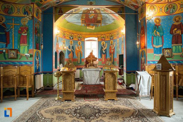 interiorul-de-la-biserica-cuvioasa-paraschiva-din-teis-judetul-olt.jpg