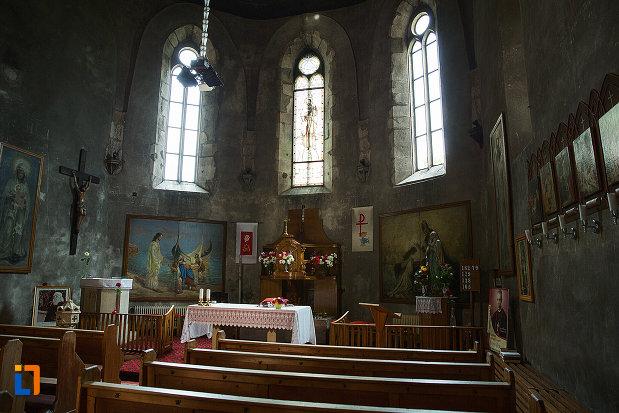 interiorul-de-la-biserica-sf-iacob-din-campulung-muscel-judetul-arges.jpg